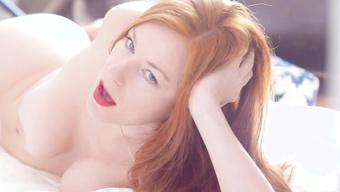 Ослепительная Красотка Скачет На Резиновом Дилдо Перед Зеркалом Домашнее Порно И Секс Фото